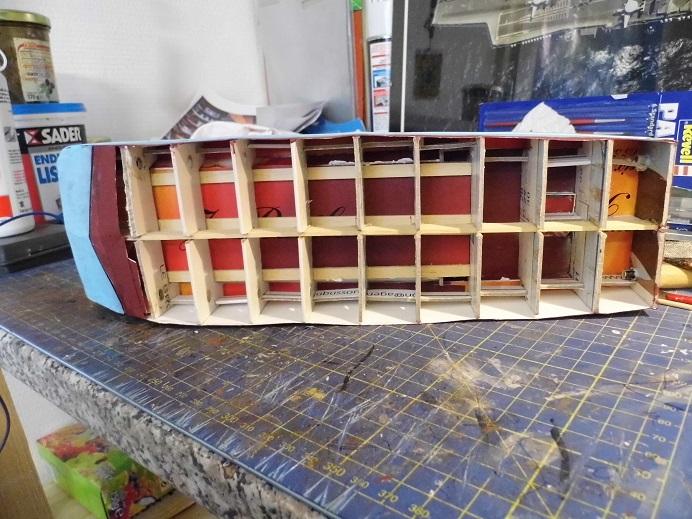 Après le train-auto, le train-bateau scratchbuilding 1/48 00411