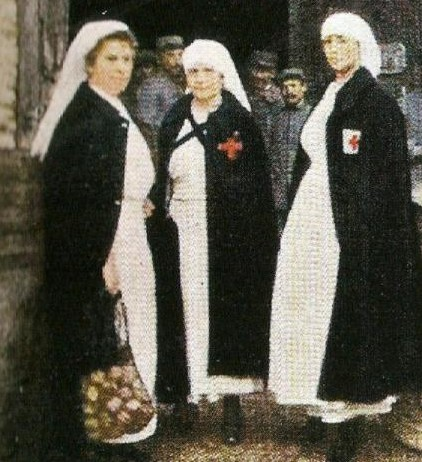 [1914-1918] Tenue d'infirmière Numyri10