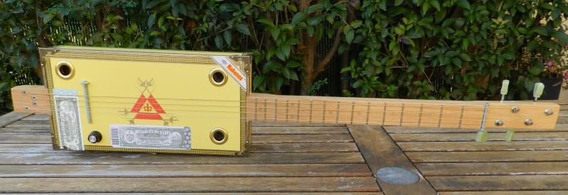 Présentez-nous vos Cigar Box Guitare Monte110