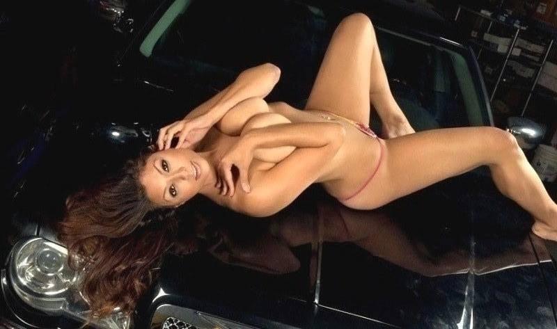 More Mopar babes (sexy) - Page 2 Pdec2110