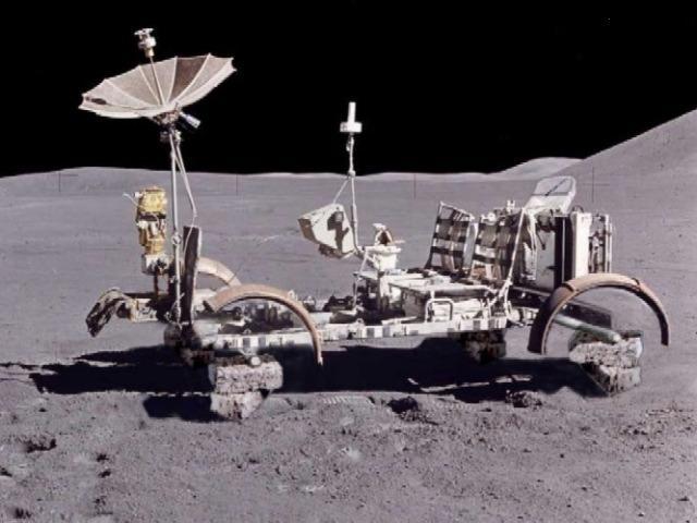 Des ovnis sur la Lune ? - Page 4 Apollo10