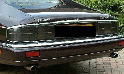 Decals on the bootlid. V12 facelift Xjs_re10