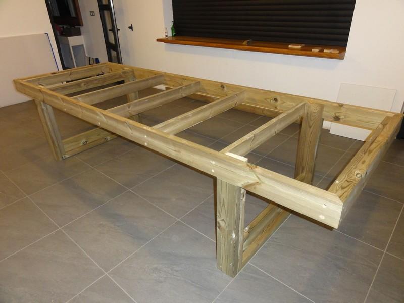 [TERMINE] Fabrication table en bois peint - polycarbonate pour terrasse Dsc00623