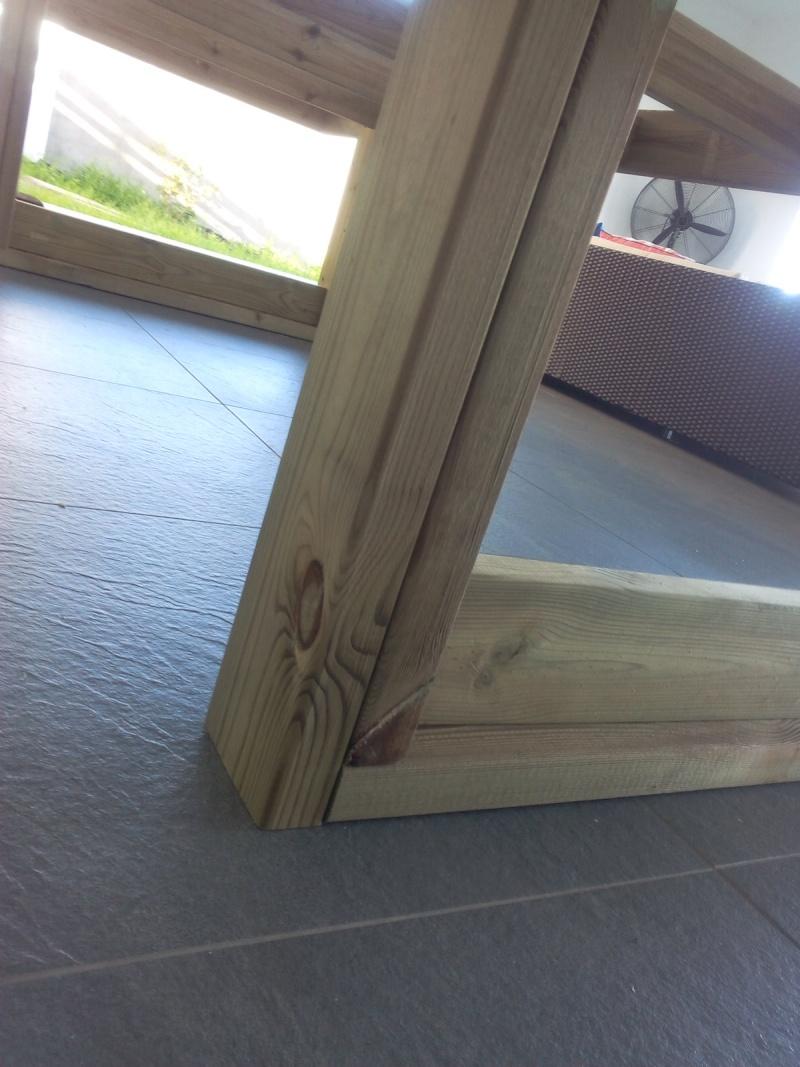 [TERMINE] Fabrication table en bois peint - polycarbonate pour terrasse Img_2012