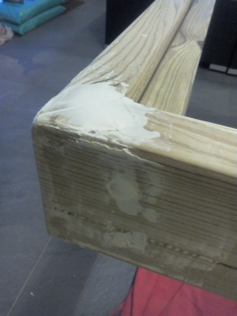 [TERMINE] Fabrication table en bois peint - polycarbonate pour terrasse Img_2026