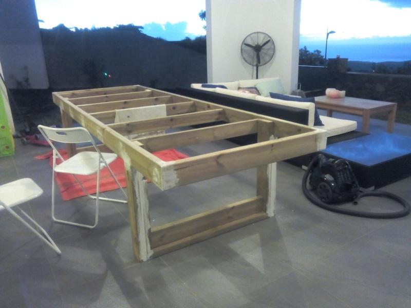 [TERMINE] Fabrication table en bois peint - polycarbonate pour terrasse Img_2028