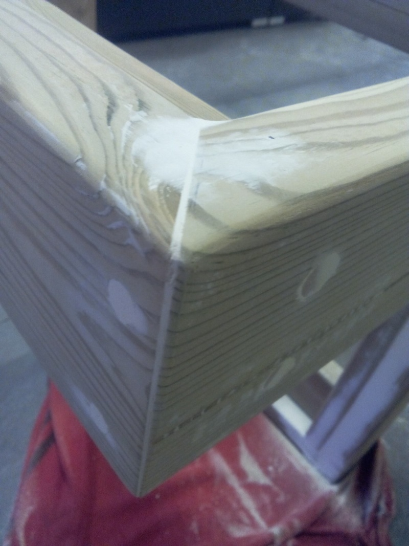 [TERMINE] Fabrication table en bois peint - polycarbonate pour terrasse Img_2029