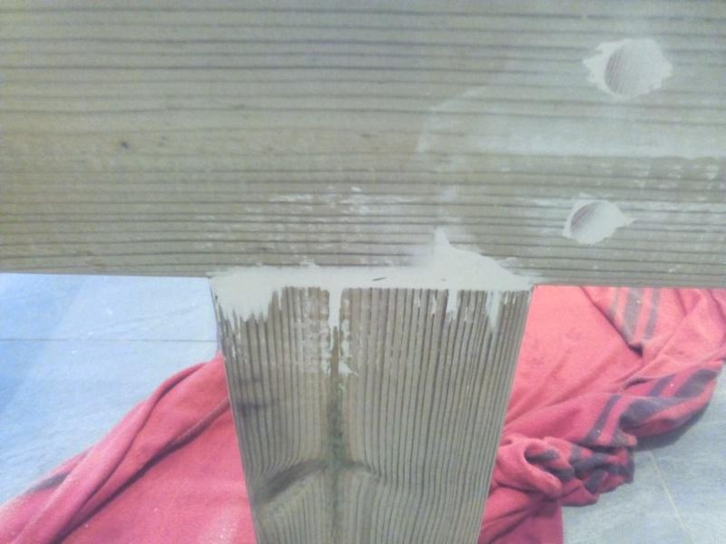 [TERMINE] Fabrication table en bois peint - polycarbonate pour terrasse Img_2030