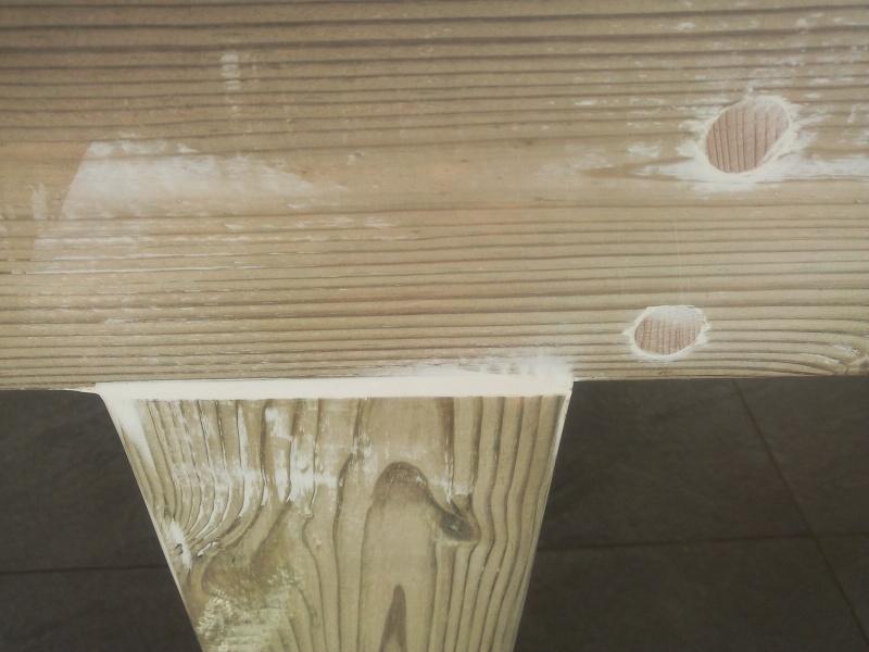[TERMINE] Fabrication table en bois peint - polycarbonate pour terrasse Img_2034