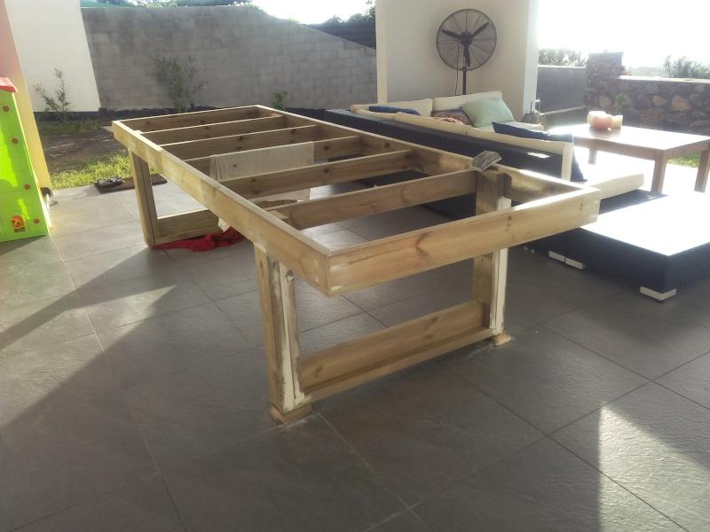 [TERMINE] Fabrication table en bois peint - polycarbonate pour terrasse Img_2035