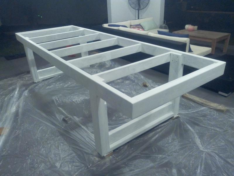 [TERMINE] Fabrication table en bois peint - polycarbonate pour terrasse Img_2038