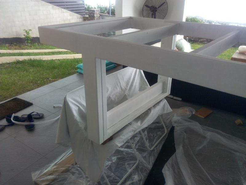 [TERMINE] Fabrication table en bois peint - polycarbonate pour terrasse Img_2055