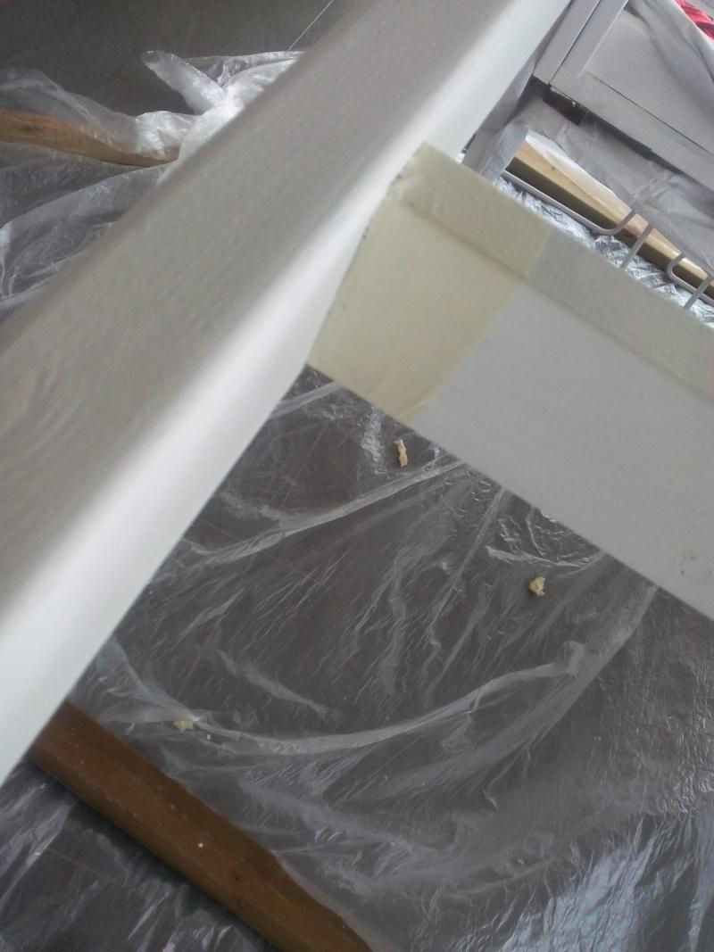[TERMINE] Fabrication table en bois peint - polycarbonate pour terrasse Img_2058