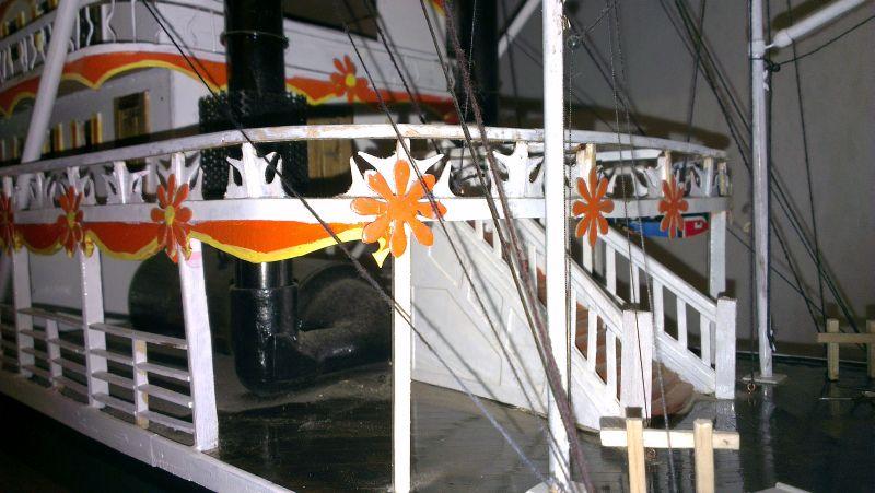 The Pamela3 a scratch built Mississippi sternwheeler Imag0512