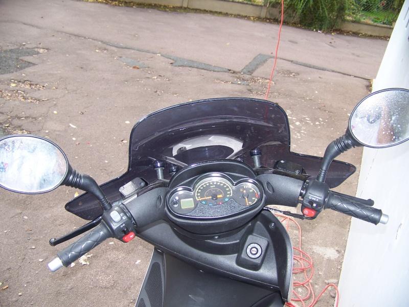 présentation de mon scooter skyliner platinium 125CM3 103_1721