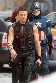 Jeremy Renner Weight and Height, Size | Body measurements Images10