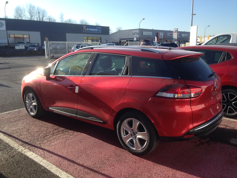 Clio Estate intense rouge flamme Img_1011