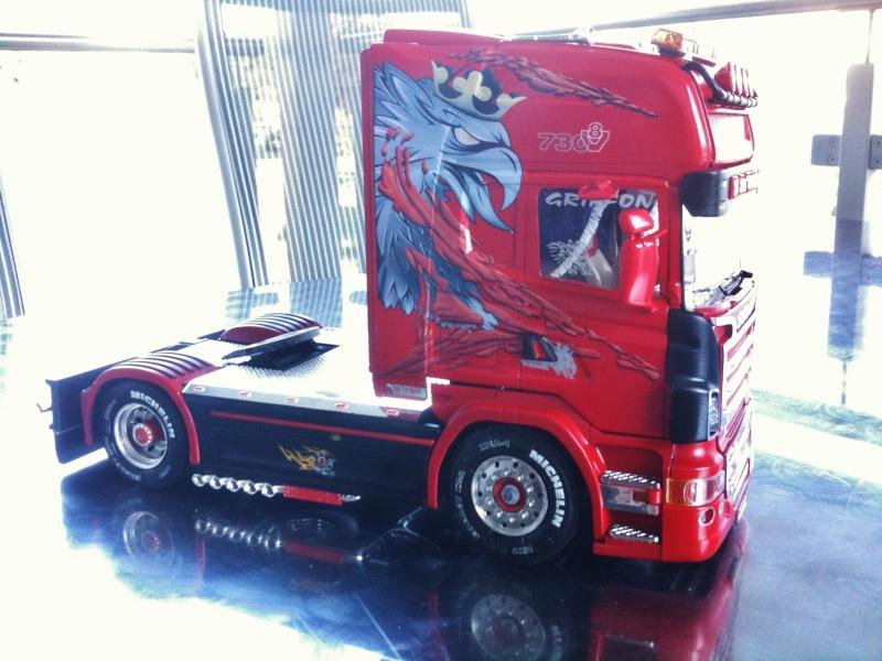 Na dann...  Scania R730 und Scania Black Amber Scania23