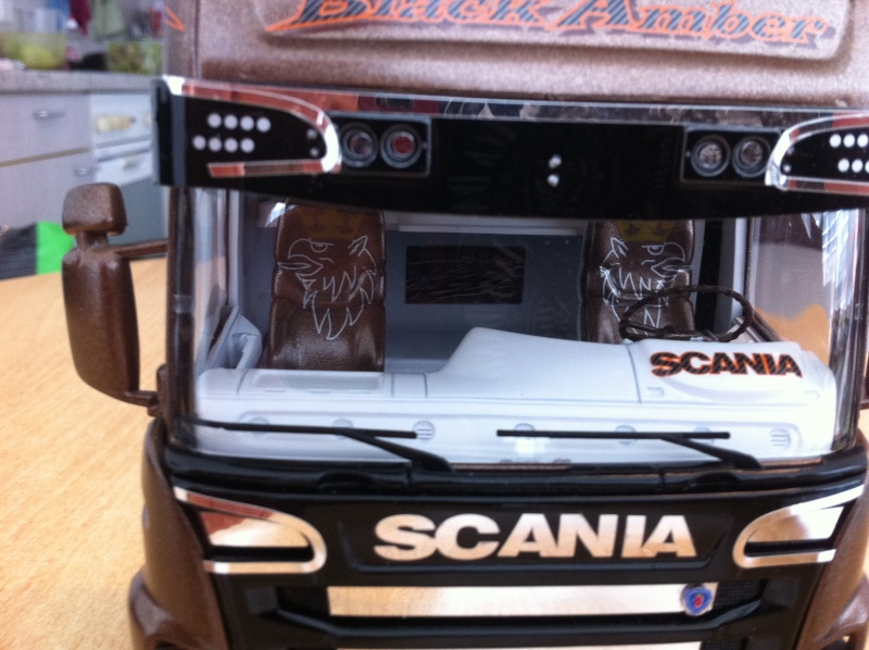 Na dann...  Scania R730 und Scania Black Amber Scania31