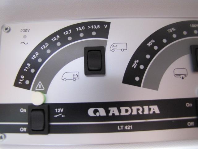 Changement batterie Gel par AGM sur Adria 2013 Adria_16