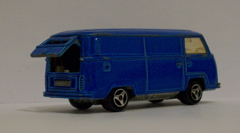 n°244 Fourgon VW tole 102_1120