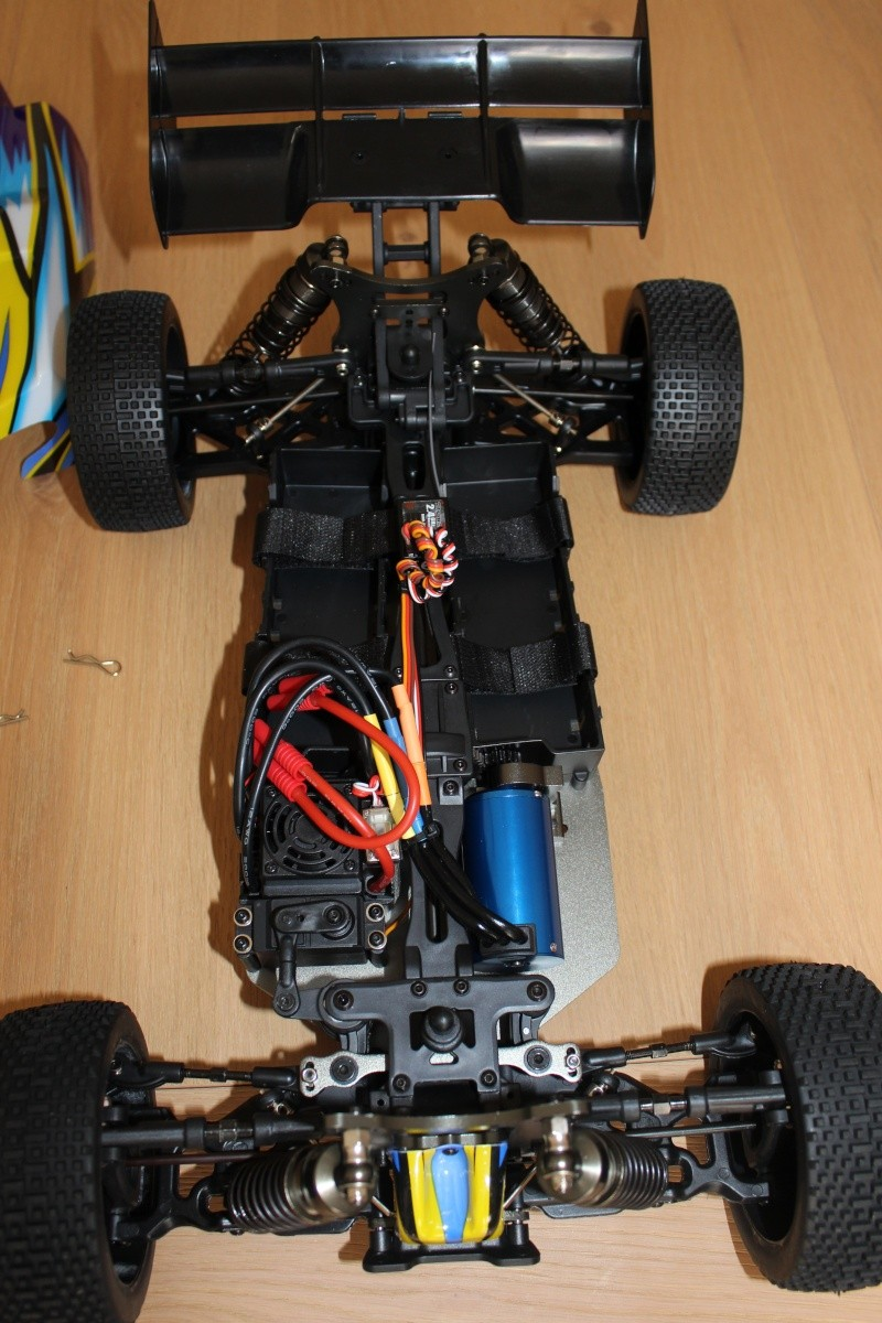 Le buggy 1/8 HK de Manu. Img_3520