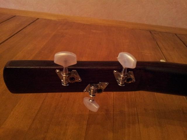 Fabrication « License plate guitar 3 cordes » mode d'emploi (guitare dérivée des CBG) 20150223
