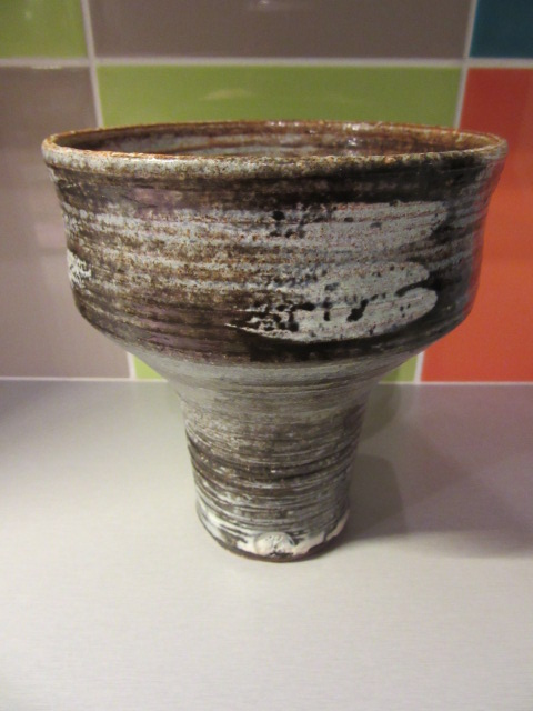 Unknown Scandinavian style stemmed bowl - Pacific Stoneware, USA? Img_2020