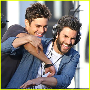 Zac Efron Weight and Height, Size | Body measurements Zac-ef10