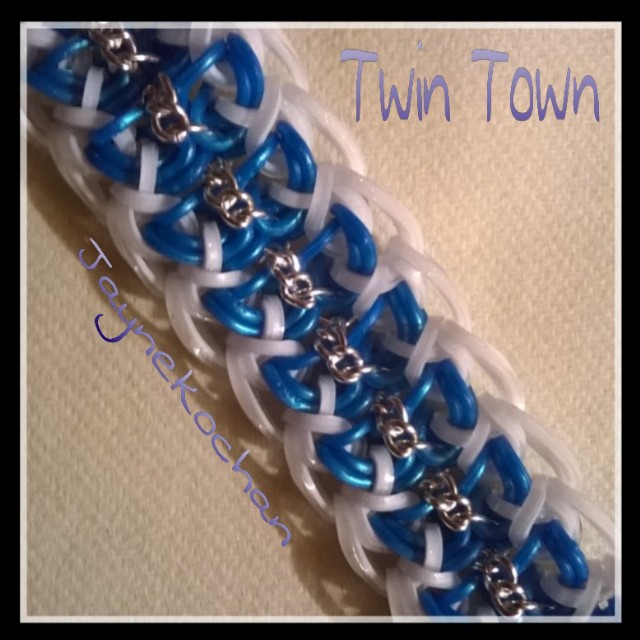 Hook only : Twin Town Twin_t10