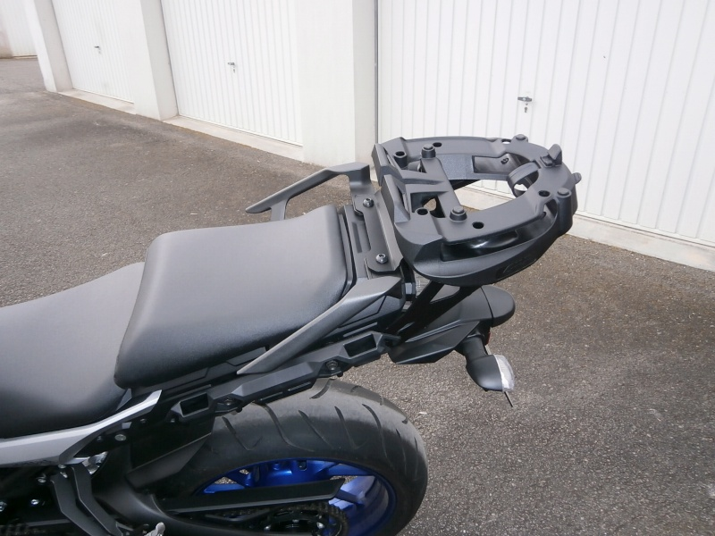 Givi - Supports valises \ top case \ tanklock - Page 2 P3140112