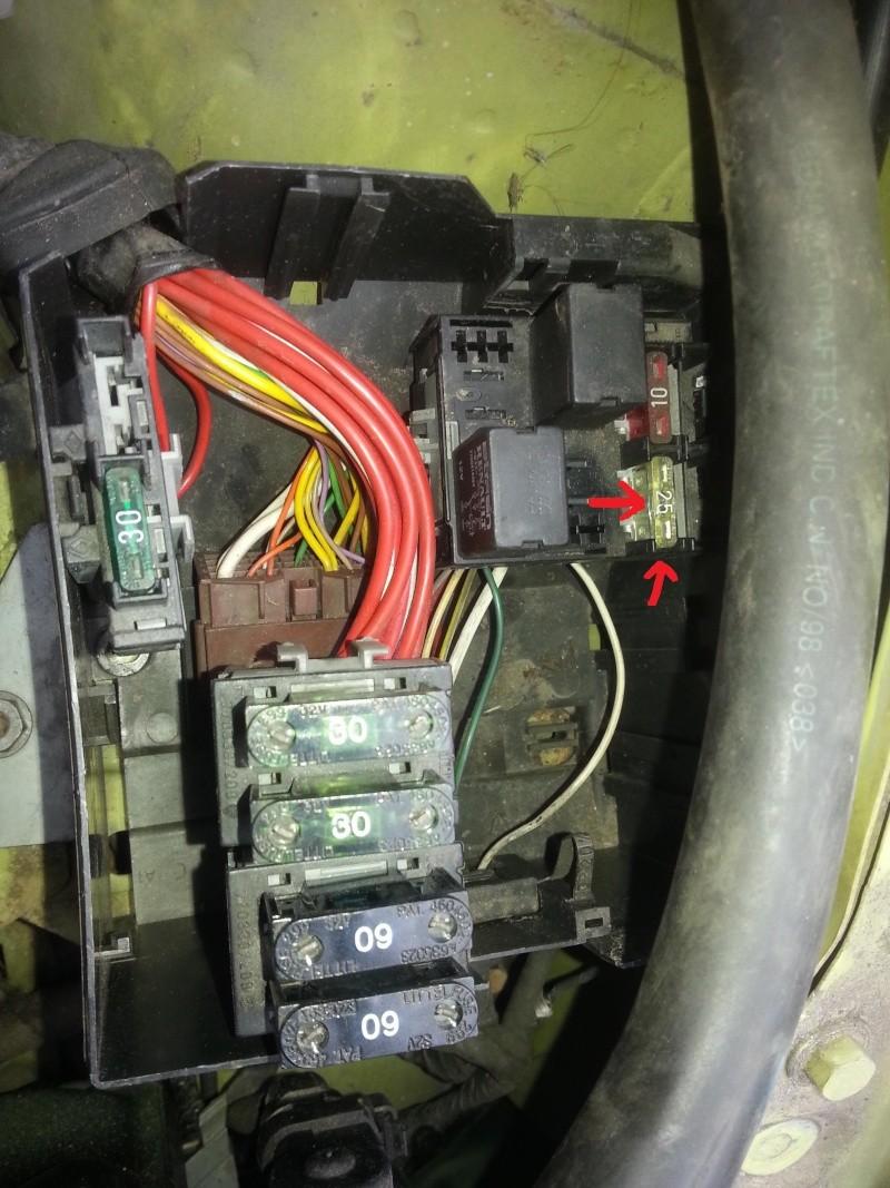 Batterie qui se décharge. Fusibl10