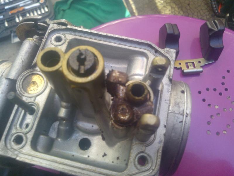 Besoin d'avis sur état carburateur Wp_00010