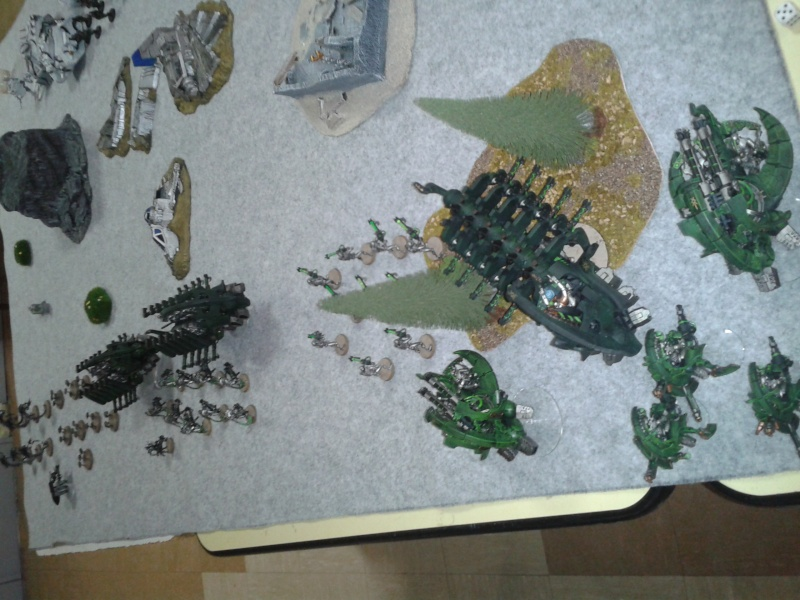 2500 pts Nécrons vs Astra Militarum (avec photos) Tour_113