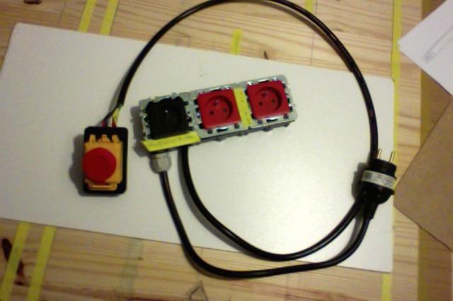 Electro-portatifs sous table (d'inspiration Festool, Woodpeckers, Wolfcraft...) et aménagements atelier  Electr10
