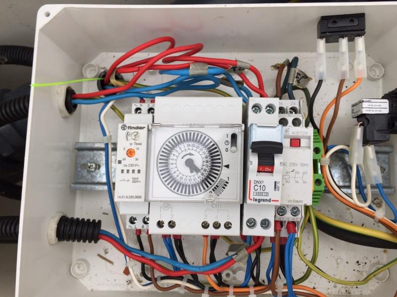 Problème dans le boitier électrique Img_2413