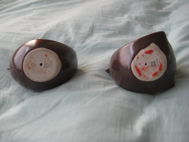 Two small china? ceramic? bird figures - unknown markings - please help Twobir12