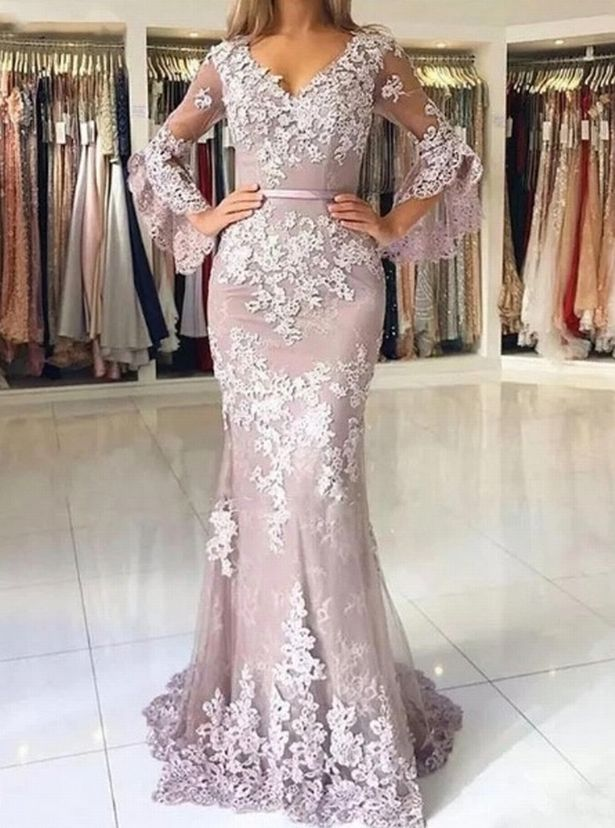 Teen devastated as dream prom dress arrives and looks nothing like she expected 34cc1c10