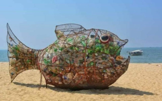 All It Took To Clean Up This Beach Was A Fish Sculpture Named Goby 99189b10