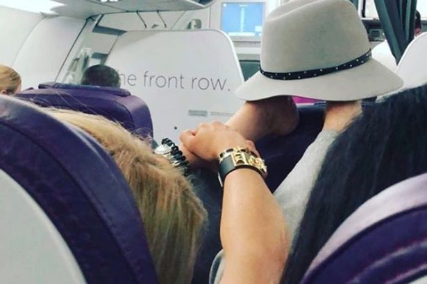 Plane passenger shamed for 'gross' act on flight - but some found it funny D5ecf910