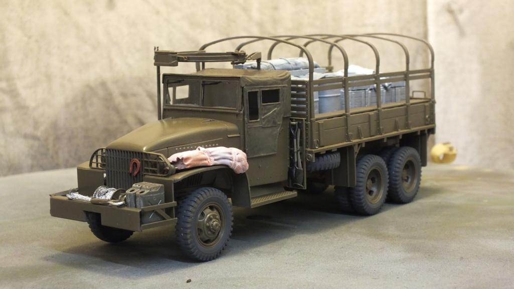 US 2 1/2 Ton 6X6 Cargo Truck Tamiya 35218 avec accessoire 35231 - Page 2 Dscf4327
