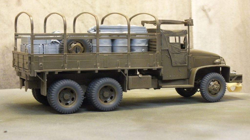 US 2 1/2 Ton 6X6 Cargo Truck Tamiya 35218 avec accessoire 35231 - Page 2 Dscf4328