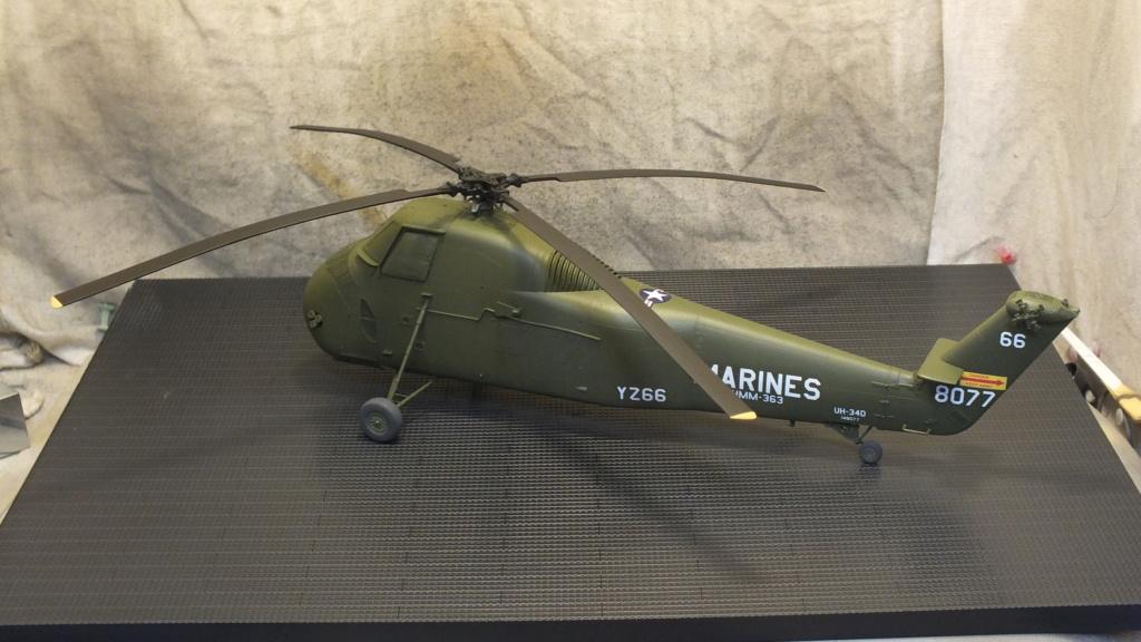 H-34 US Marines Trumpeter - No. 64101 - 1:48 Dscf4330