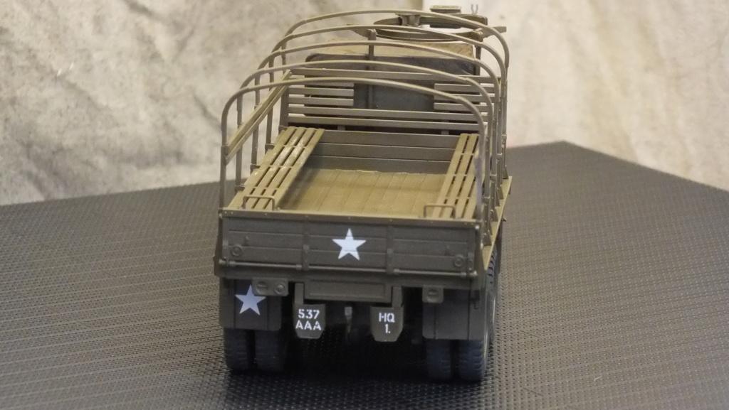 US 2 1/2 Ton 6X6 Cargo Truck Tamiya 35218 avec accessoire 35231 - Page 2 Dscf4331
