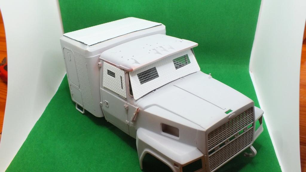 Ford LTL 9000 Revell 1/24 réf:07553 Dscf6710