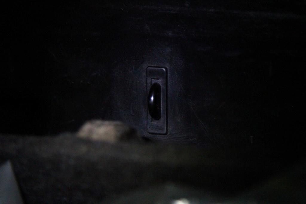 éclairage boite à gant Imgl5210