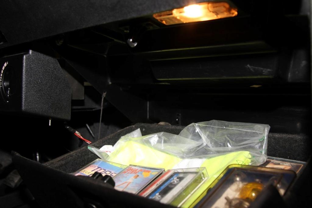 éclairage boite à gant Imgl5211