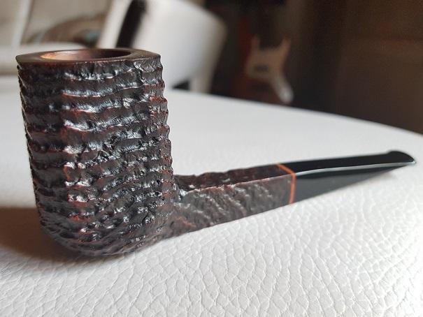 """L'inspecteur mène l'enquête ! indice""""1/10"""" du tabac dans sa pipe. 20180331"""