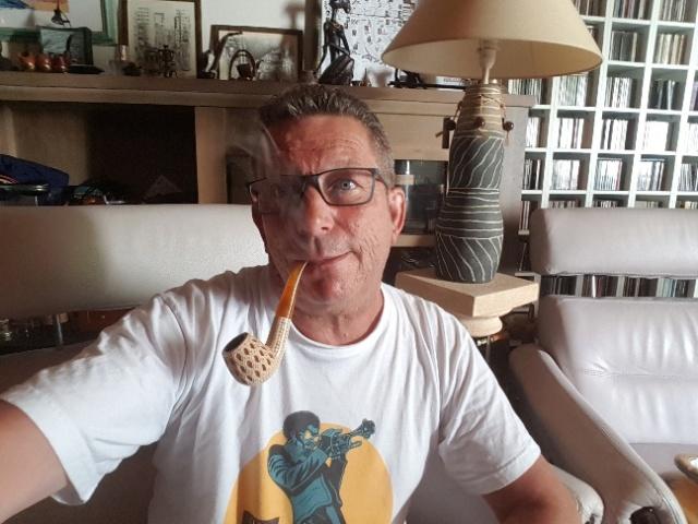 Une blague 13 août verte ne demande qu'à être fumée.  20180810