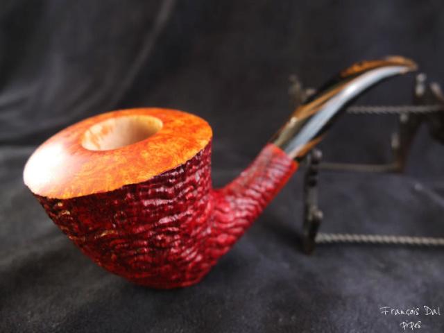 """L'inspecteur mène l'enquête ! indice""""1/10"""" du tabac dans sa pipe. Dscf0823"""